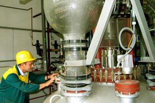 To, či zmena majiteľa Nováckych chemických závodov ochráni aj pracovné miesta, zamestnanci stále nevedia.
