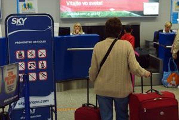 Nielen veritelia, ale aj klienti čakajú, ako sa vyvinie situácia SkyEurope.