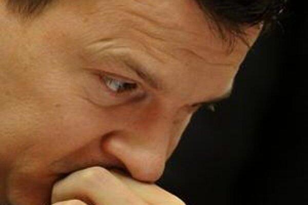 Fico chce od Počiatka, aby šetril. On nevie, kde.