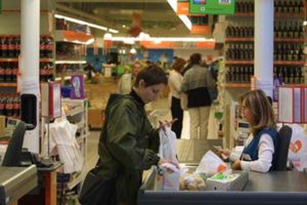 Počet voľných pracovných miest na úradoch práce sa v polovici januára tohto roka prvýkrát dostal pod 10-tisíc.