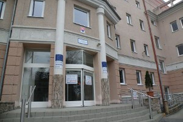 Budova úradu práce by vraj bola najvhodnejšia pre okresný úrad.