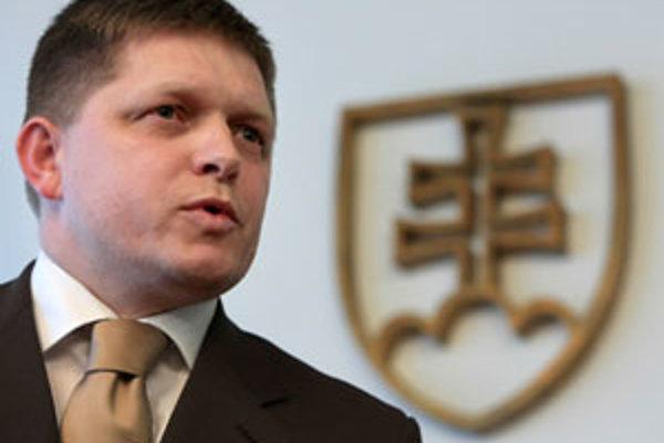 """Premiér Robert Fico tvrdí, že Slovensko nemôže byť energeticky """"bábková krajina""""."""