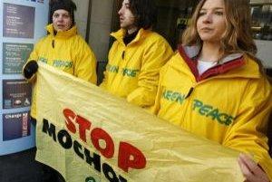 Proti Mochovciam protestuje Greenpeace. Snímka je z rakúskeho protestu začiatkom tohto roka.