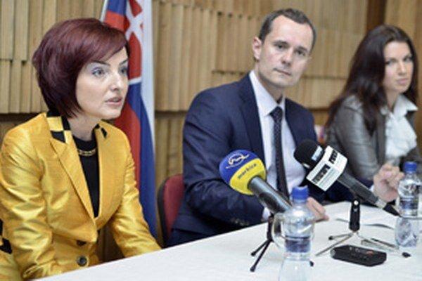 Primátorka Prievidze Katarína Macháčková (vľavo) bude spoluzakladateľkou novej politickej strany.