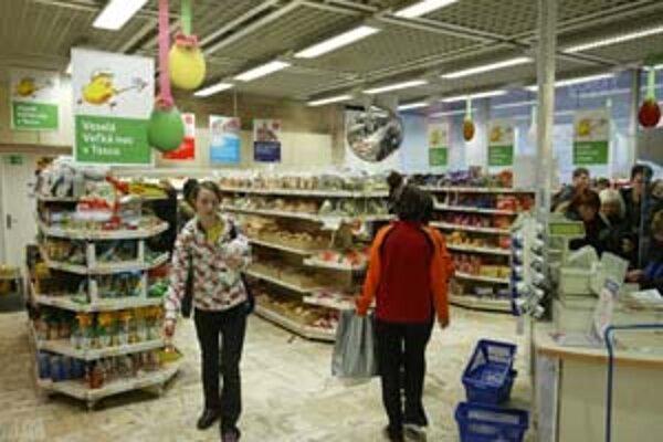 Obyvatelia Slovenska okrem tradičných veľkonočných potravín čoraz viac kupujú aj exotické tovary. Obchodníci zaznamenali dopyt napríklad po klokaňom a pštrosom mäse.