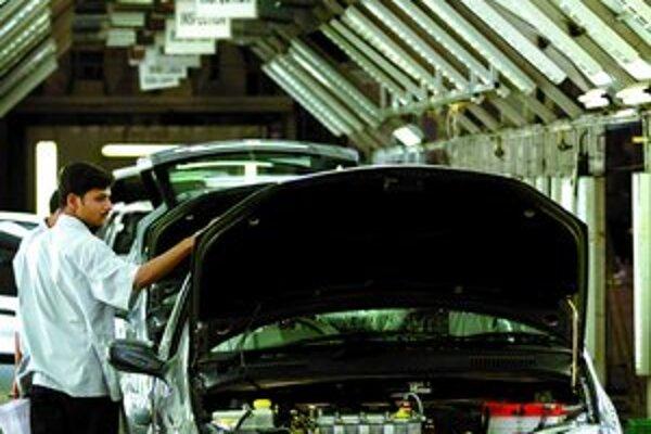 Indická automobilka Tata ja najhorúcejším záujemcom o kúpu automobiliek Jaguar a Land Rover.