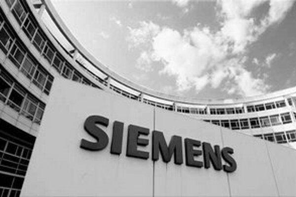 Predstavitelia Siemensu vraj podplácali ľudí z Enelu. Spolu im mali dať šesť miliónov eur.