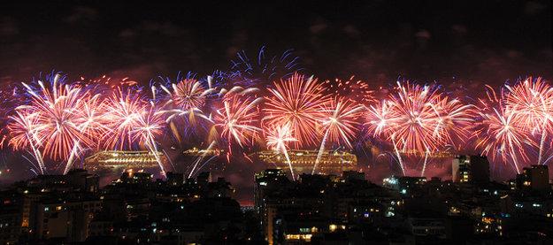 Silvestrovský ohňostroj v Rio de Janeiro patrí medzi najväčšie na svete.