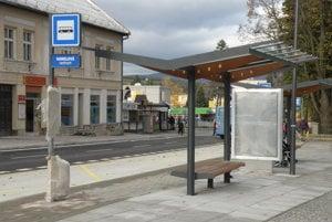 Nové autobusové zastávky v centre Handlovej budú už od zajtra, 19. novembra, plne k dispozícii cestujúcim.