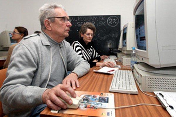 Dôchodcovia sa môžu obracať so svojimi problémami na Fórum pre pomoc starším.