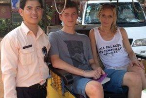 V Kambodži so starším synom