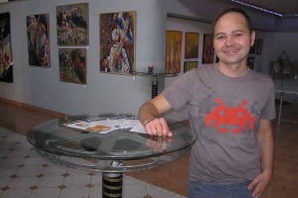 Napriek problémom je Roman Turcel s ročným fungovaním Artpoint centra spokojný.