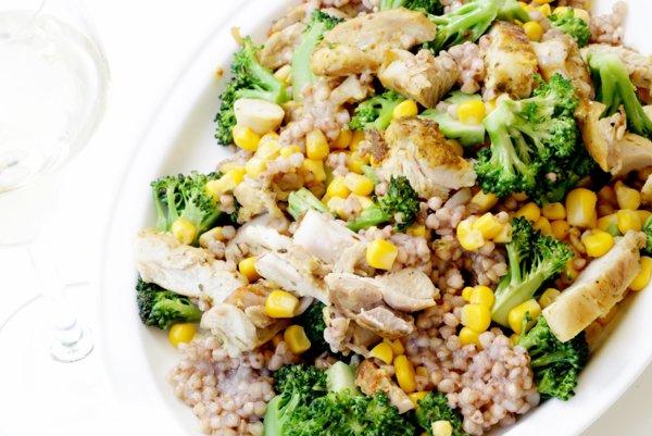 Pohánkové rizoto s brokolicou a kuracím mäsom