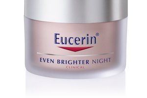 Nočný depigmentačný krém účinne zmierňuje pehy či starecké škvrny pomocou aktívnej zasvetľujúcej zložky B-resorcinol, ktorá bráni tvorbe melanínu v mieste, kde vzniká, Eucerin, 24,72 €