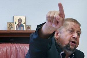 Sudca Štefan Harabin vyzval Najvyšší súd nech zverejní dôkaz, že si odmeny podpísal sám.