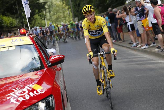 Chris Froome v žltom drese pre najlepšieho jazdca Tour de France.