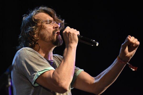 Český spevák Dan Bárta vystúpi v sobotu.