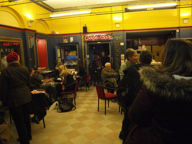 Vnútro kina Odysée.