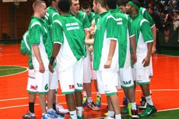 Hráči Handlovej v Bratislave svojim výkonom sklamali.