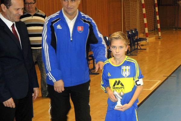 Najlepším hráčom turnaja bol Ondrej Cíferský z ObFZ Trnava.