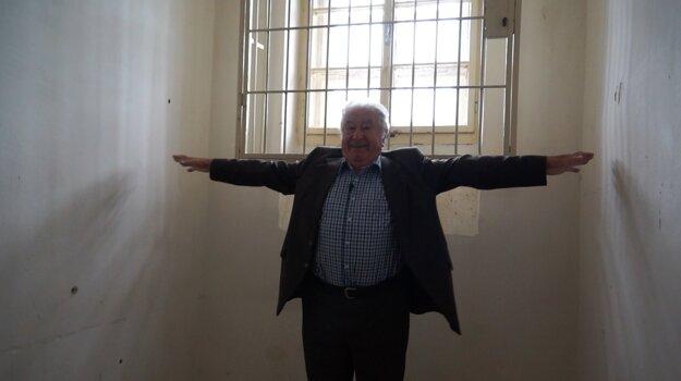 Anbton Srholec vo svojej niekdajšej cele.