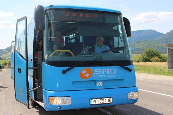 Informácie o prímestských autobusoch získajú cestujúci aj cez mobily.