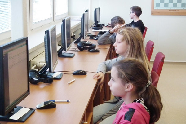 Príprava na test zo slovenského jazyka a literatúry.