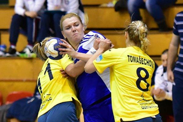Eva Veselková prispela k výhre Šale v Písku 10 gólmi.