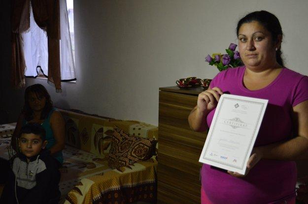 Aby mohli rodiny začať sporiť, museli prejsť školením finančnej gramotnosti.