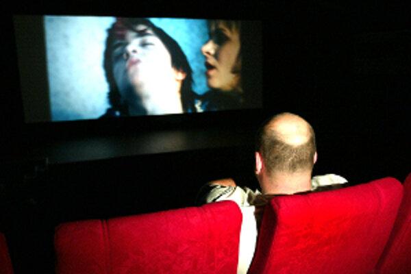 Niektoré kiná sa sústreďujú už iba na klubové filmy.
