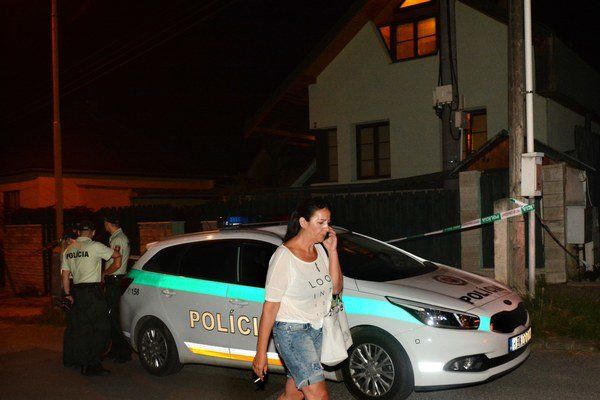 Dom sestry Nory Mojsejovej bol viackrát terčom neznámych útočníkov. Polícia doteraz ani jeden incident neobjasnila.
