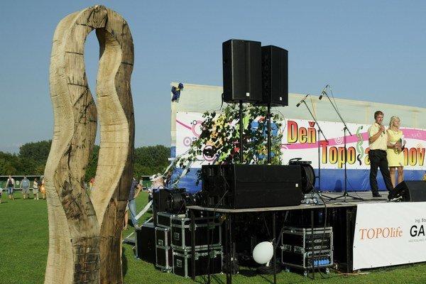 Aj socha, ktorá symbolizuje súdržnosť rodákov a obyvateľov, patrí k Dňu Topoľančanov.