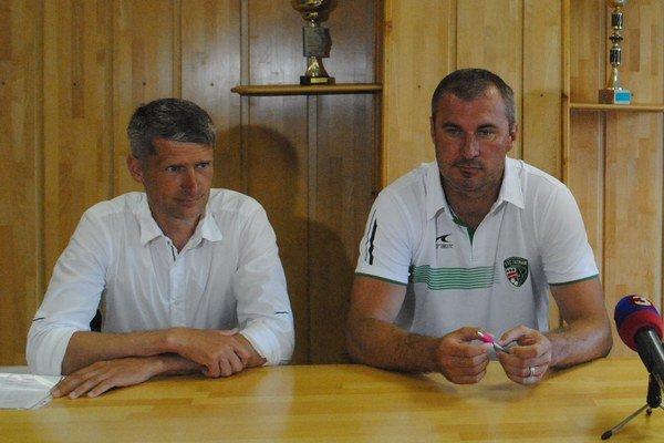 Zástupcovia Tatrana. M. Trávniček (vľavo) aS. Varga.