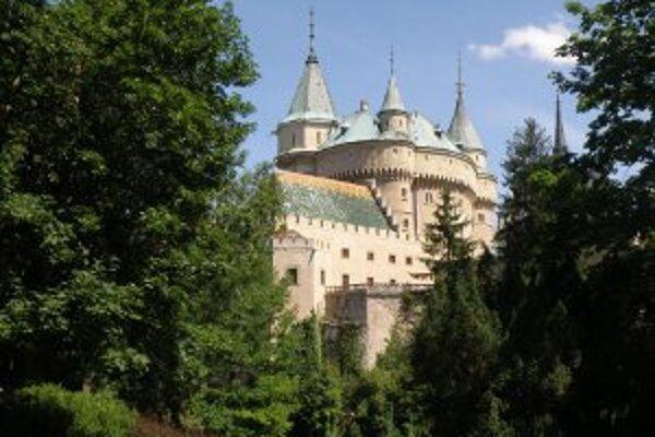 Bojnický zámok láka aj zahraničných turistov.