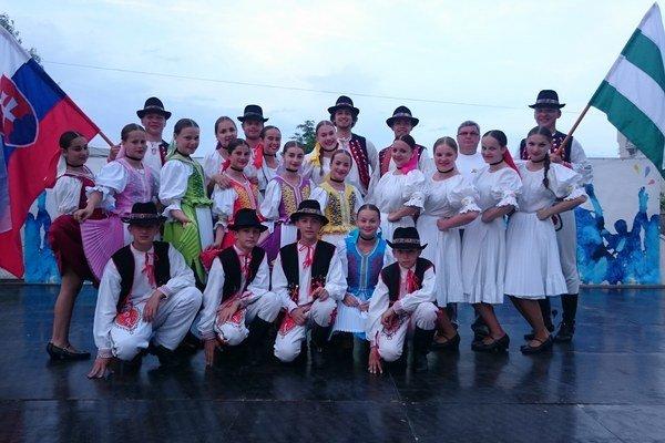 Šarišská Lipa. Súbor vychováva mladých folkloristov.