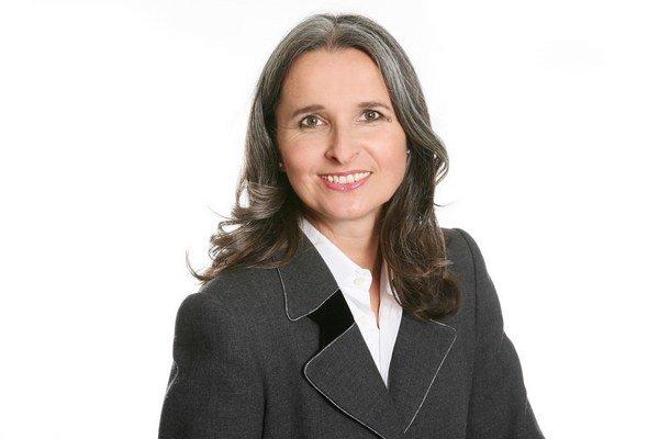 Yvette Estermann žije dlhodobo vo Švajčiarsku, je poslankyňou za pravicovú SVP. Pochádza zo Slovenska.