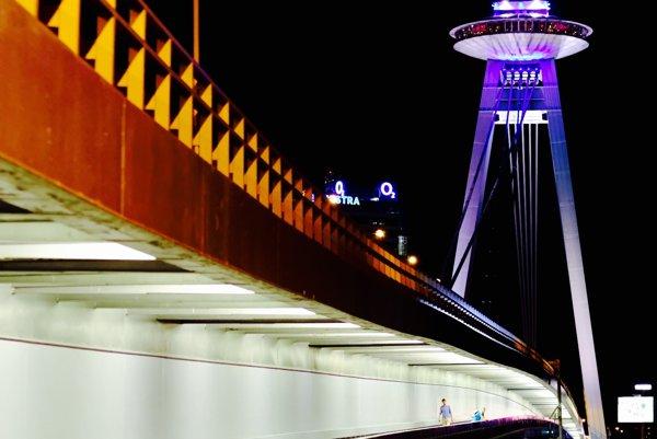 Most SNP bude farbami predpovedať počasie.