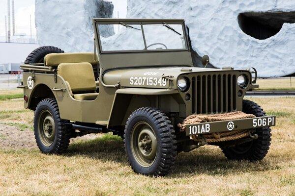 Pôvodný Jeep, vyrábaný počas druhej svetovej vojny. Jeep, u nás známy aj pod názvom džíp, vyrábali firmy Willys-Overland a Ford, ktoré dokopy vyrobili 650 000 vozidiel.