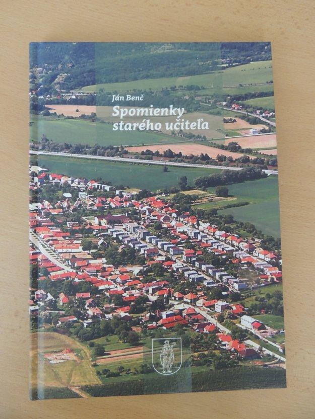 Pri príležitosti osláv vydali aj ďalšiu knihu o obci. Jej autorom je Ján Benč, ktorý na miestnej škole voľakedy pôsobil ako riaditeľ.