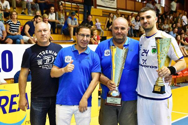Víťazný pohár si odniesol tím Grundfoss Tatabánya.