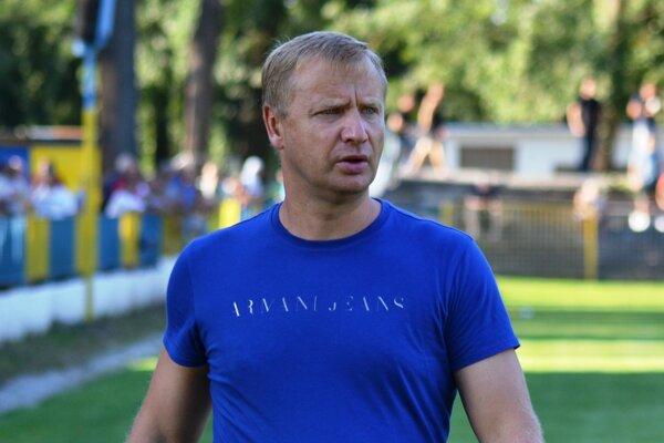 Trebišovský kormidelník Martin Urban. Jeho mužstvo je lídrom III. ligy Východ.