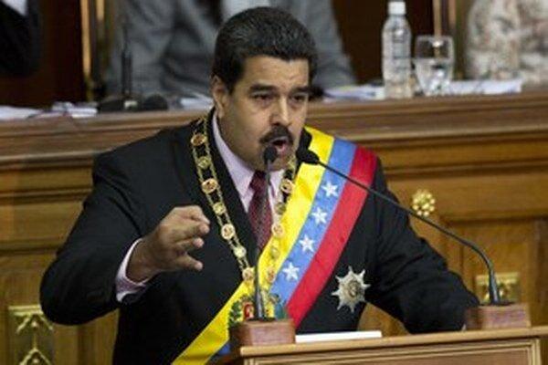 Bývalí venezuelskí sudcovia odsúdili prezidenta Madura na 18 rokov väzenia