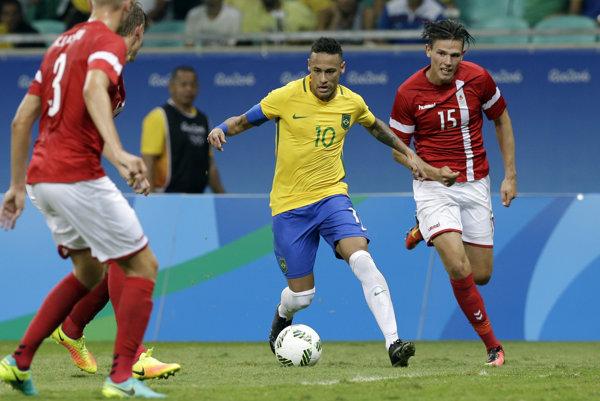 Neymar so spoluhráčmi sa proti Dánsku konečne strelecky prebudili.
