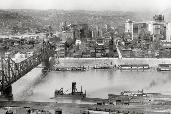 Pittsburgh na začiatku 20. storočia, keď v meste pôsobil aj Peter Víťazoslav Rovnianek.