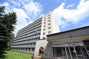 BSK rekonštruuje byty pre pracovníkov škôl v internáte.