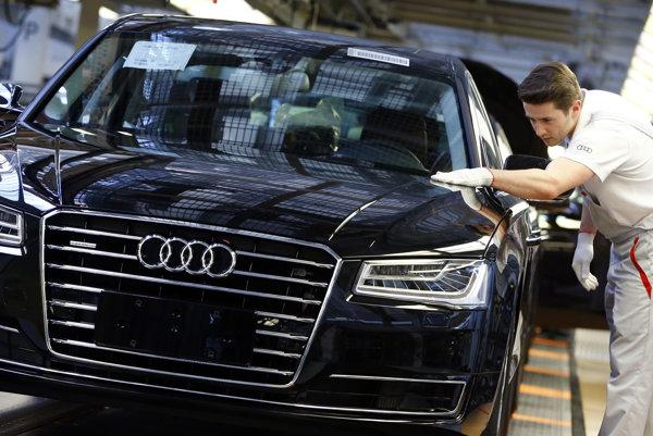 Ohroziť udržanie ratingu by mohol šok pre ekonomiku, ktorý by zasiahol automobilový sektor.