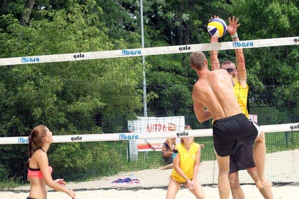 V sobotu sa hral štvrtý turnaj série NR BEACH. Počasie tentoraz volejbalistom prialo.