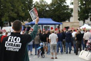 Protest proti zlodejom v politike Prievidza.