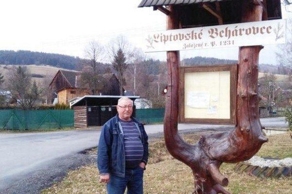 Starosta Jozef Malý je vo funkcii od roku 2006. Ako predseda MNV v Beharovciach pracoval v rokoch 1976 - 1995.
