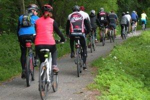 Cyklokorytnička vedie z Ružomberka do Korytnice. Má 23 kilometrov a prevýšenie 350 metrov. Jej dráha kopíruje trasu legendárneho Korýtka, vláčika, ktorý vozil hostí z Ružomberka do kúpeľ.